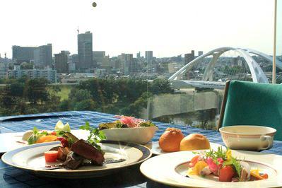 レストランからの景観もお楽しみください!<br /> ※料理写真はイメージです。